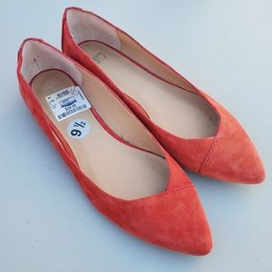 NWT Salmon Colored Flats
